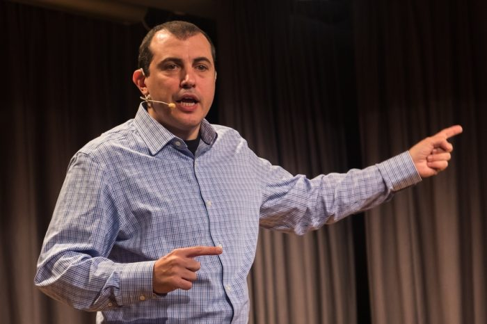 "Author of ""Mastering Bitcoin"", Andreas Antonopoulos, reveals Bitcoin is not really private"